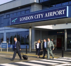 flights malaga to london: